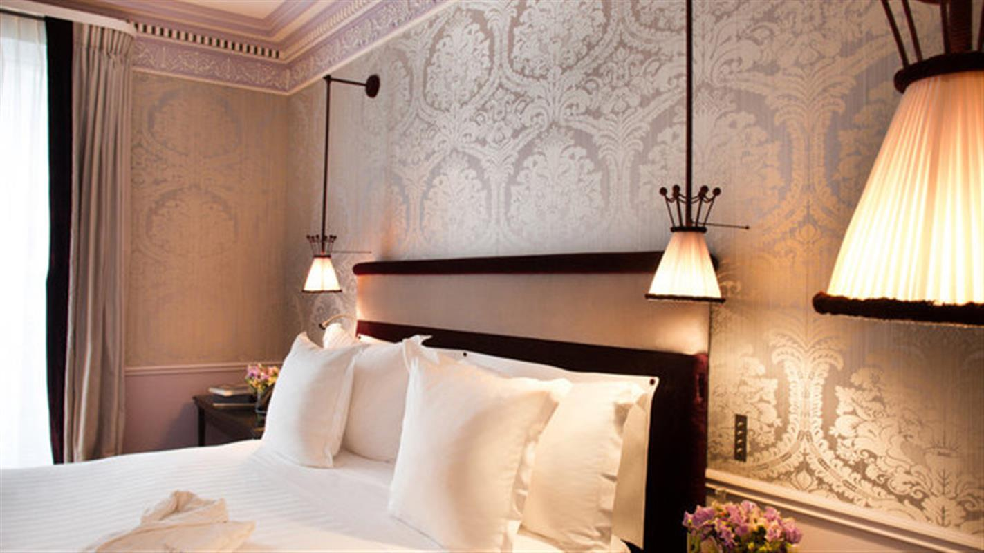 Hotel la r serve hotel konfidentiel h tel paris for Reserver un hotel a paris